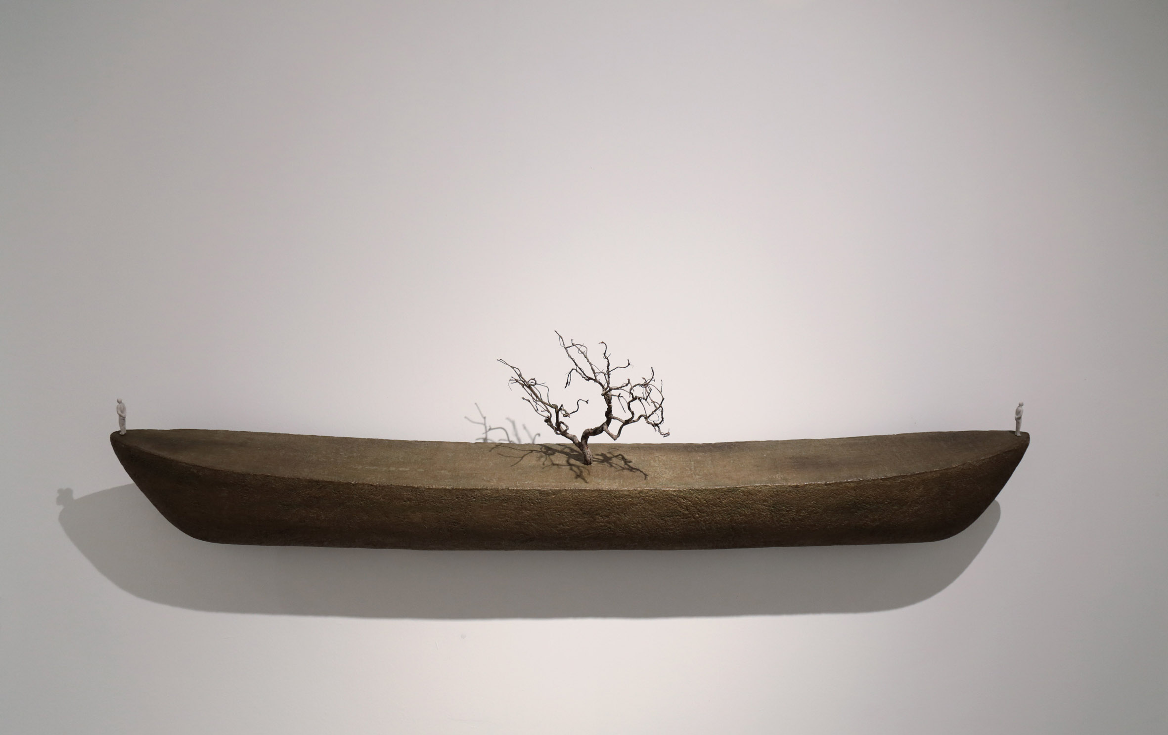 Amir Sharifpour - Albero errante, 2016, tecnica mista, cm 160x40x20